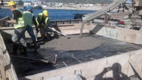 Nuestro personal trabajando en obras de colocación y vertido de hormigón